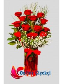 Kırmızı Güller Ve Kalpler